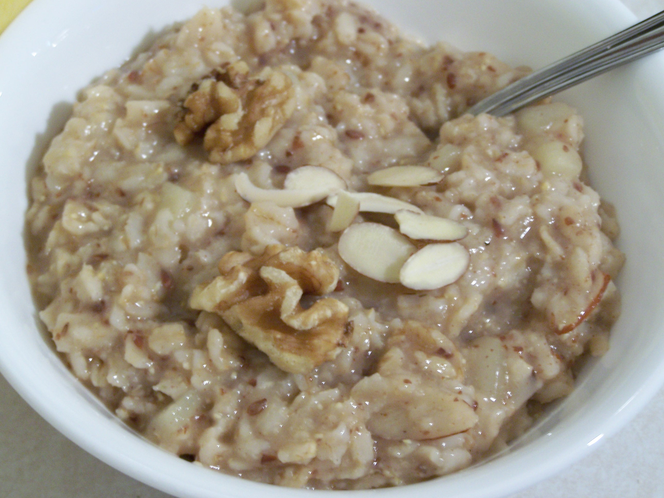nutty apple cinnamon oatmeal